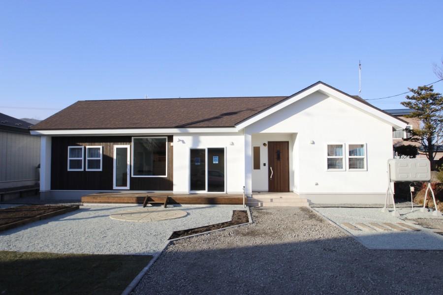 北海道で家を建てるなら「タグホーム」私たちのことメインコンテンツGallery土間アトリエのある平屋住宅Gallery / 実績の紹介